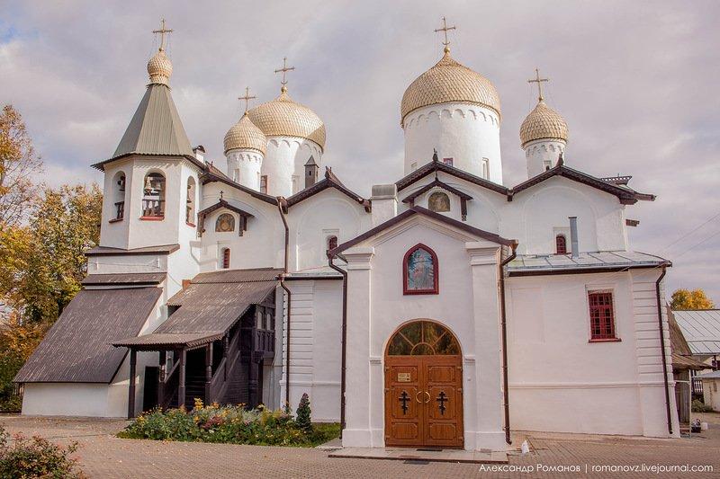 cerkov-apostola-filippa-i-nikolaya-chudotvorca